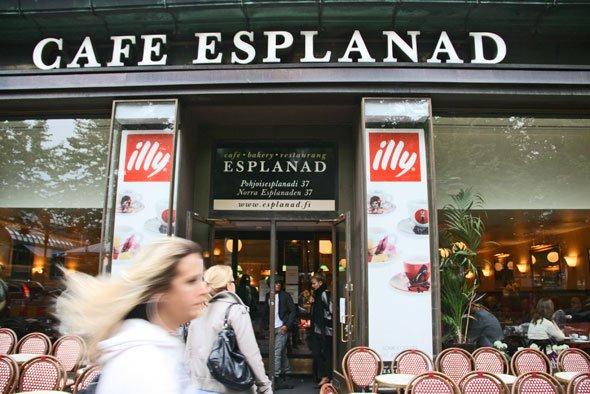 cafe esplanad in Helsinki, best cinnamon buns in Helsinki