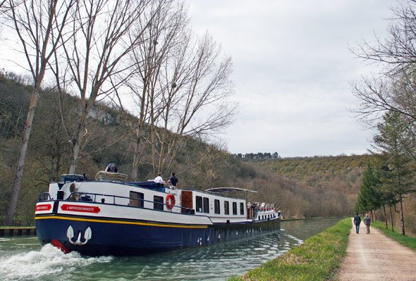 River barge in Burgundy