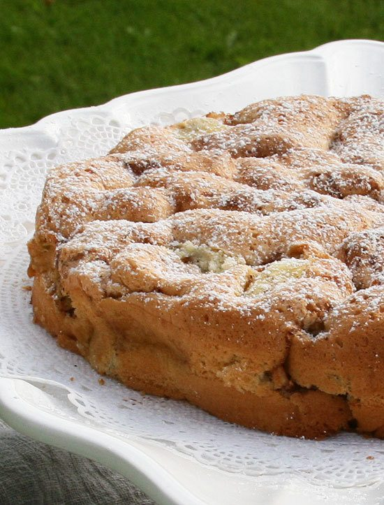 Global kitchen apple cake from apples from our swedish for Best ever apple cake country living