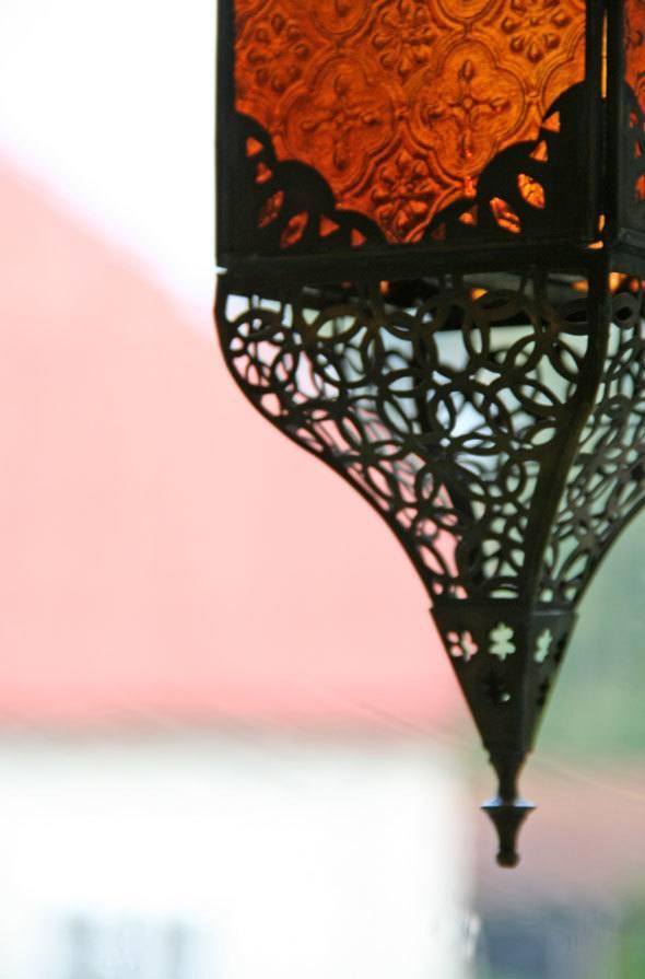 lantern-detail