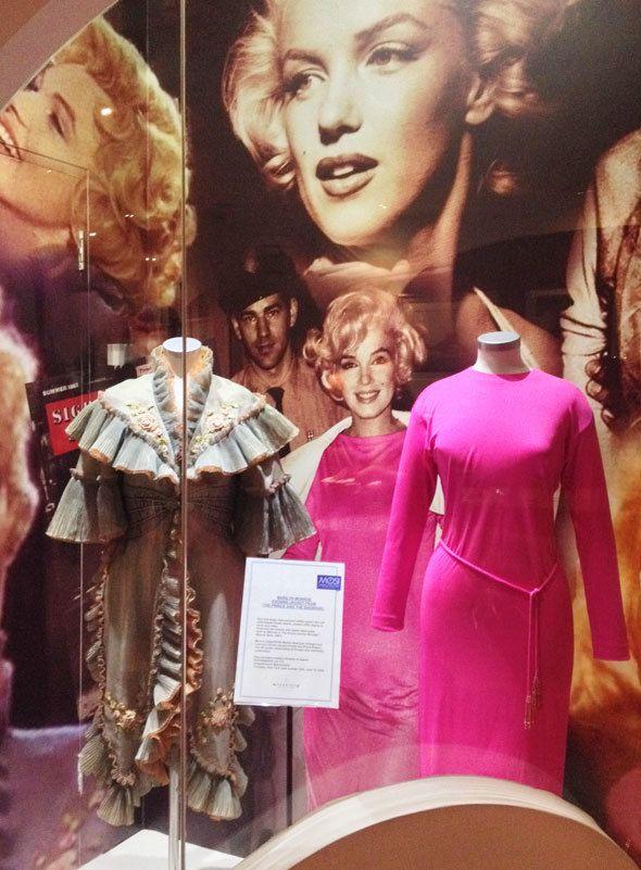 marilyn-monroe-pink-jersey-dress