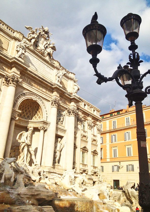 trevi fountain in Rome, photo by @katjapresnal