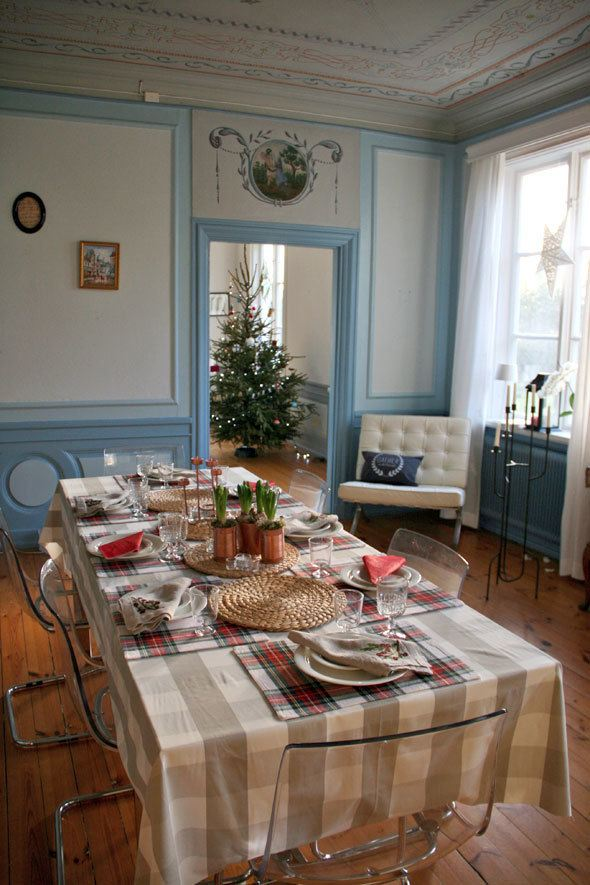 swedish-mansion-christmas