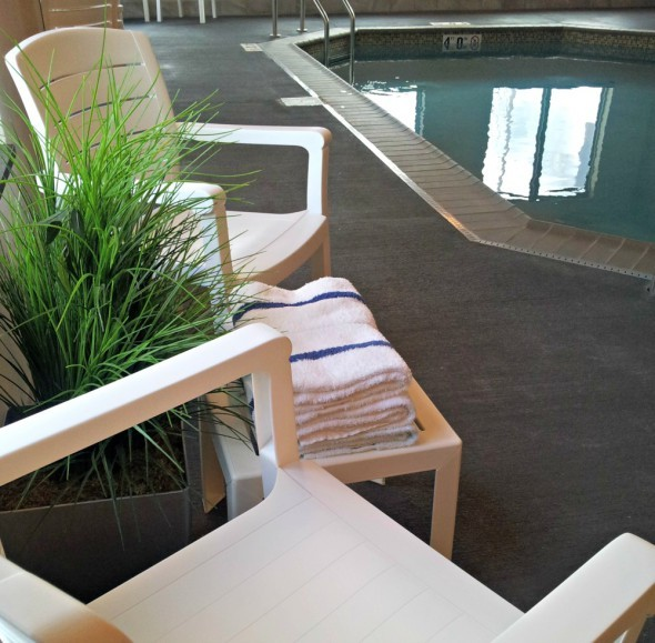 Country Inn and Suites Pool