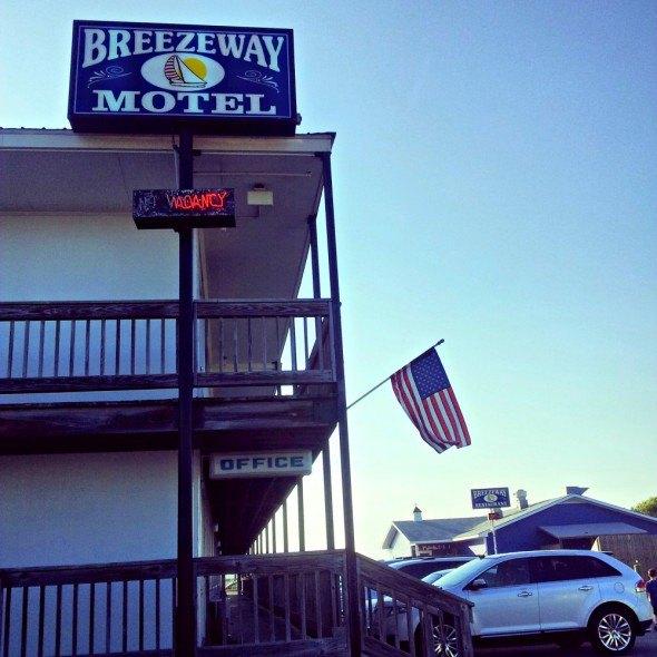 Breezeway Motel