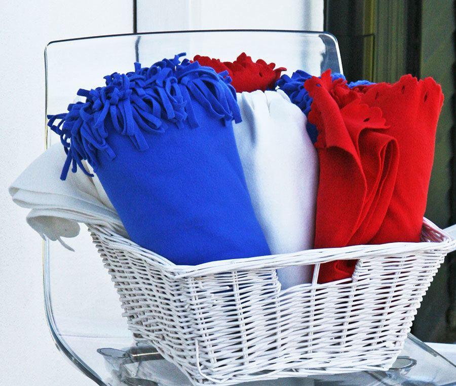 patritoc-blankets-in-basket