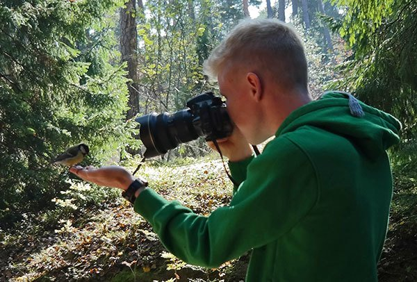 Konsta photographing birds in his secret location in Helsinki, Finland.