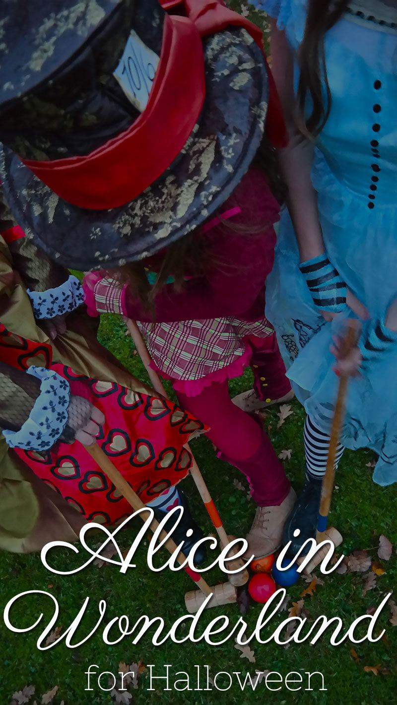 Alice in Wonderland costumes for Halloween