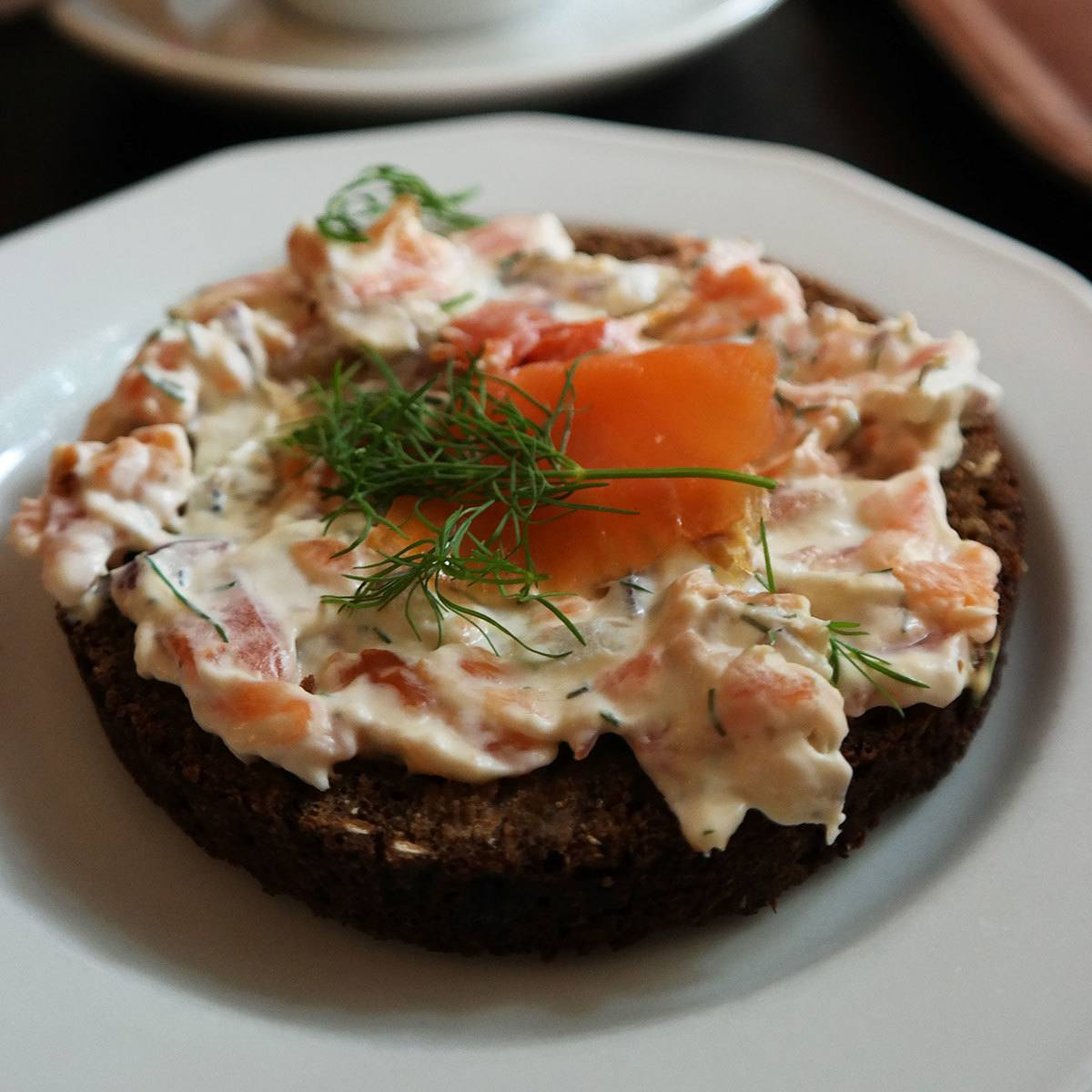 finnish-rye-bread-with-salmon