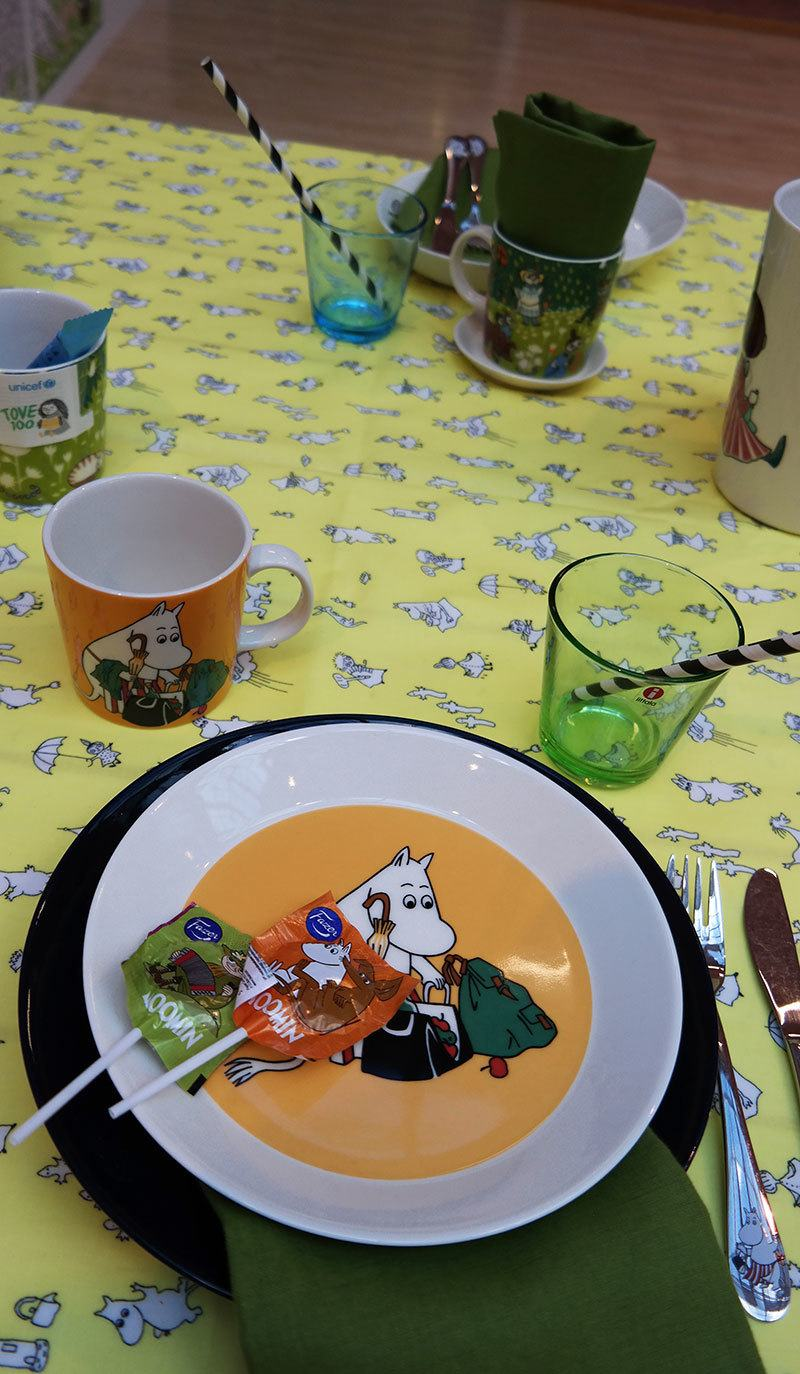moomin-table-setting
