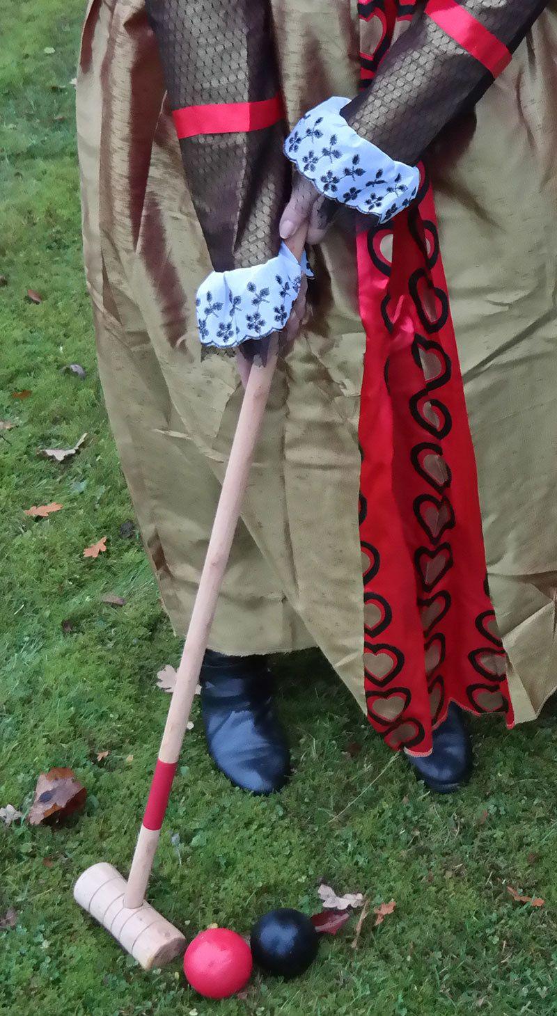 Queen of Hearts costume details