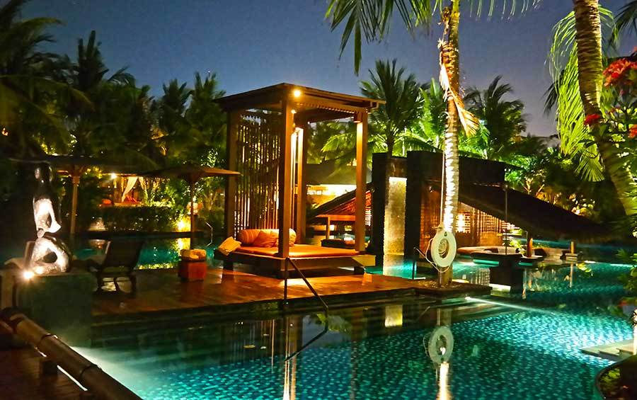 st-regis-bali-pool-at-night