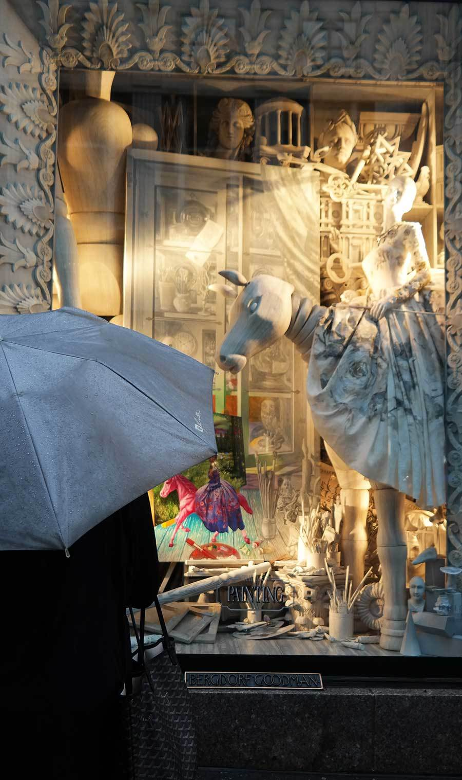 bergdorf-goodman-arts-themed-christmas-window-display
