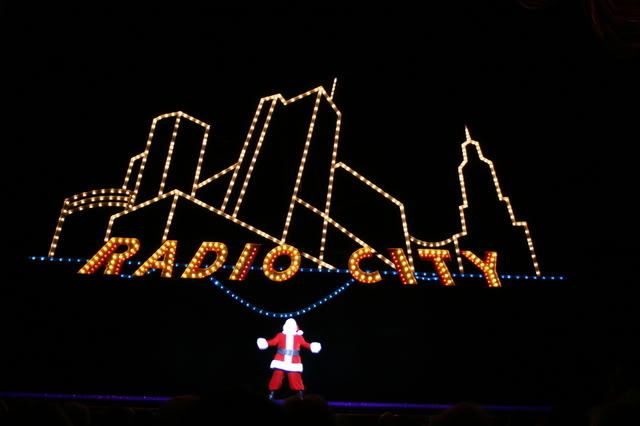 radio city music hall santa clus
