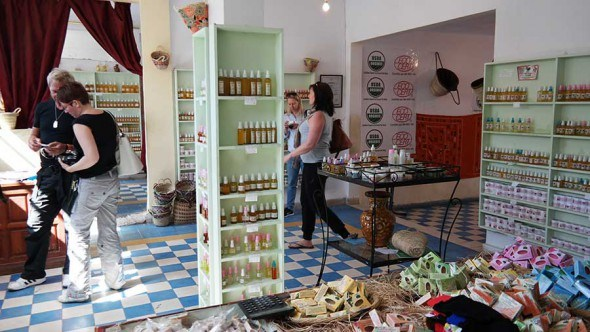 argan-oil-shopping-in-morocco