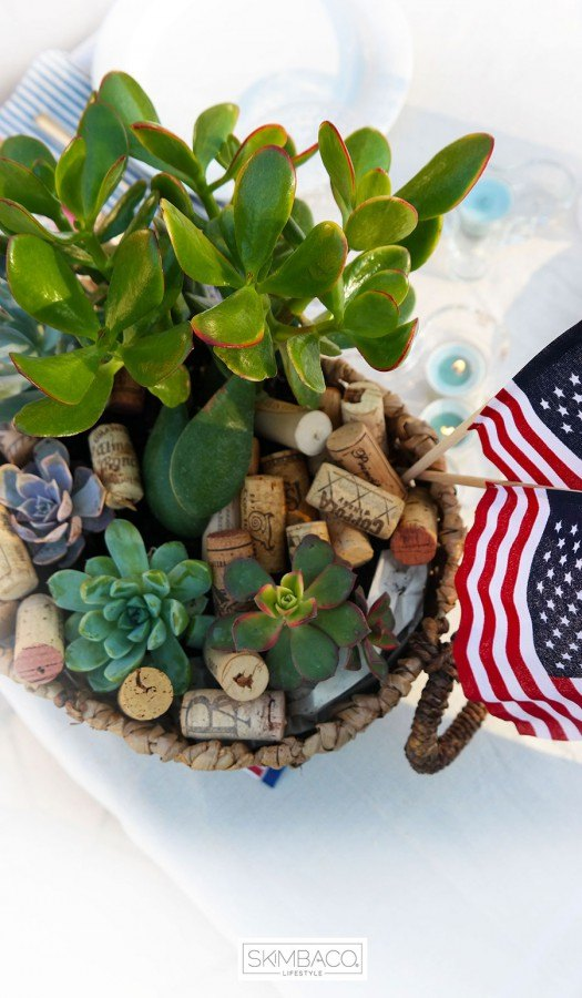 Easy 4th of July table setting with succulents
