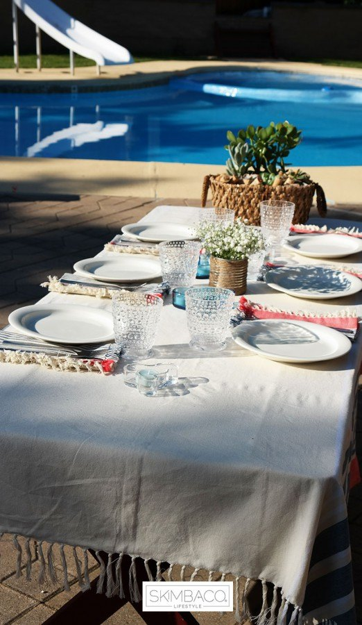 easy table setting for summer parties