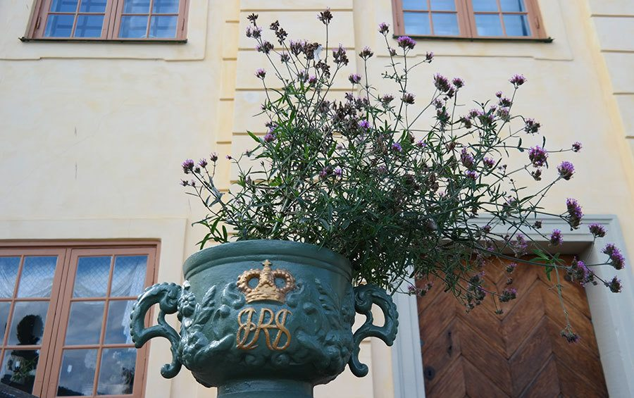 flower-pot-at-Drottningholm-Palace