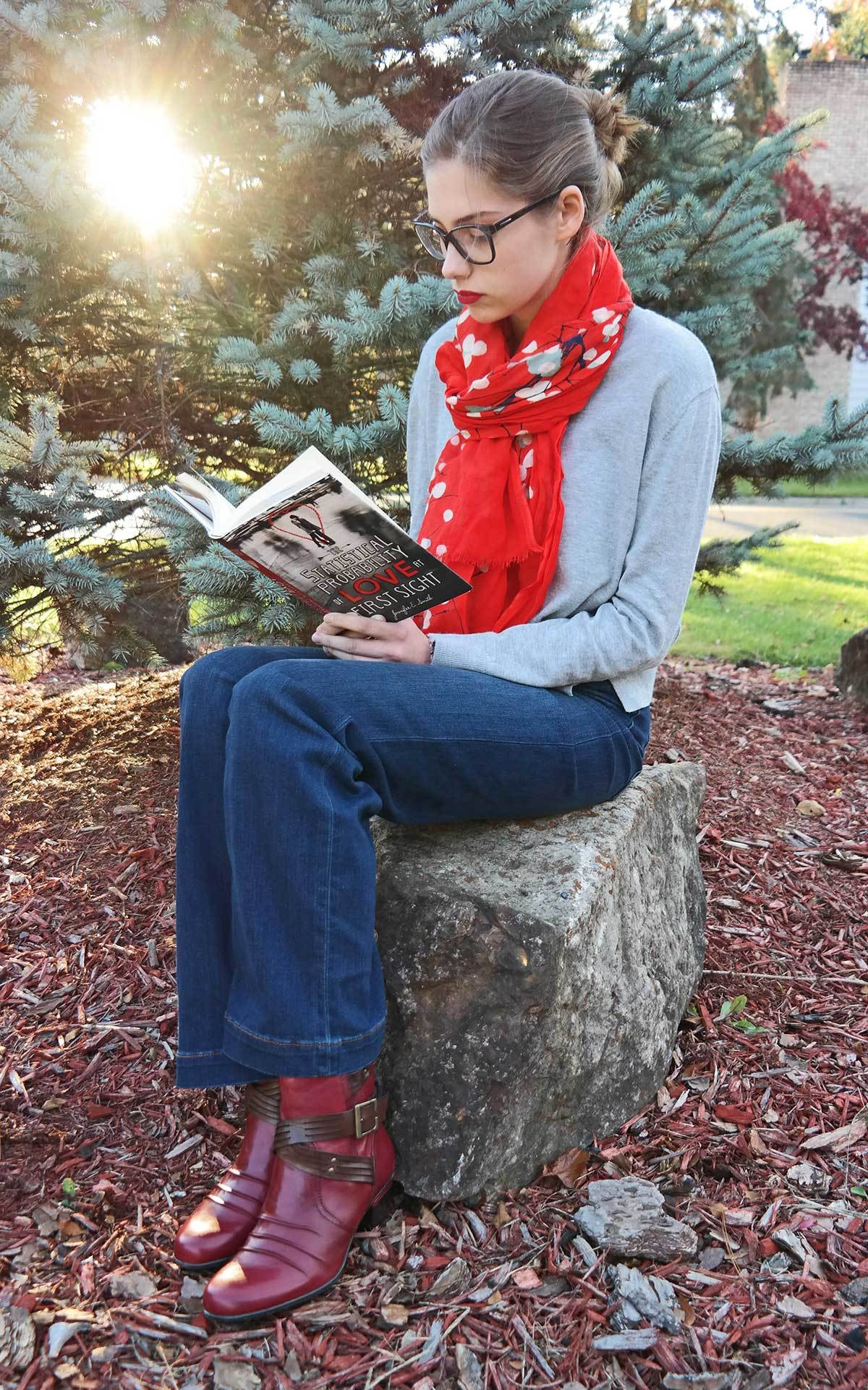 isabella-reading-book