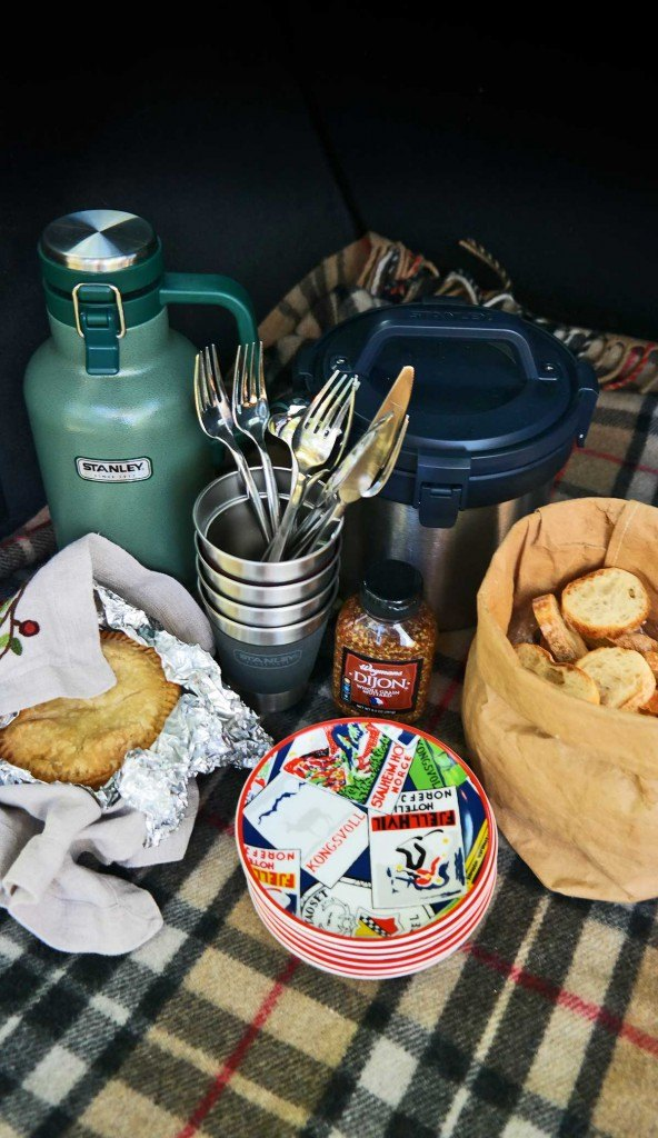 Stanley Brand tailgating products perfect for autumn time tailgating fun with friends and family https://ooh.li/a65e49e