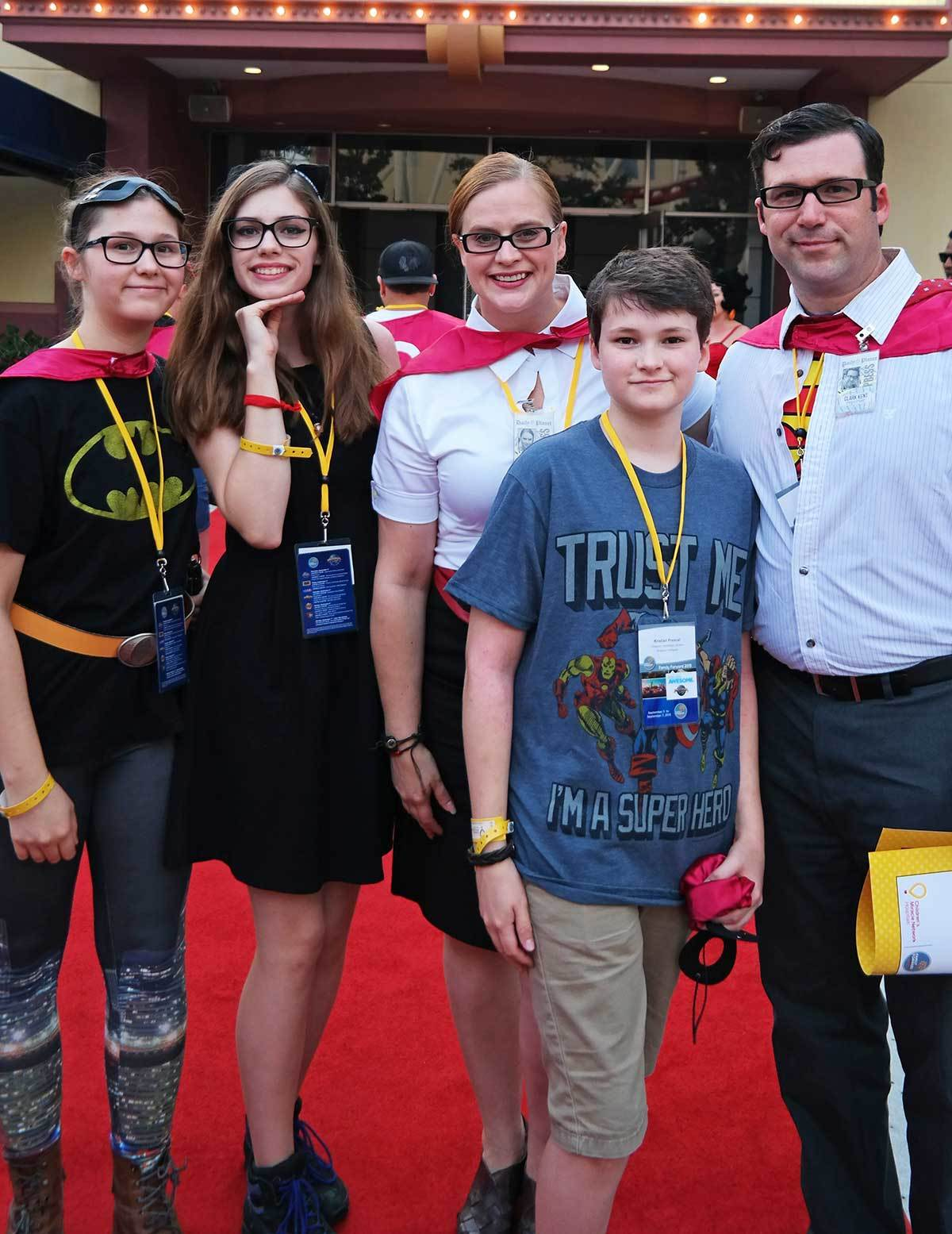 superhero-family-halloween-costume-