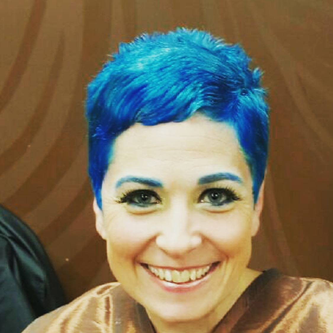 Living life to the fullest: I colored my hair blue!