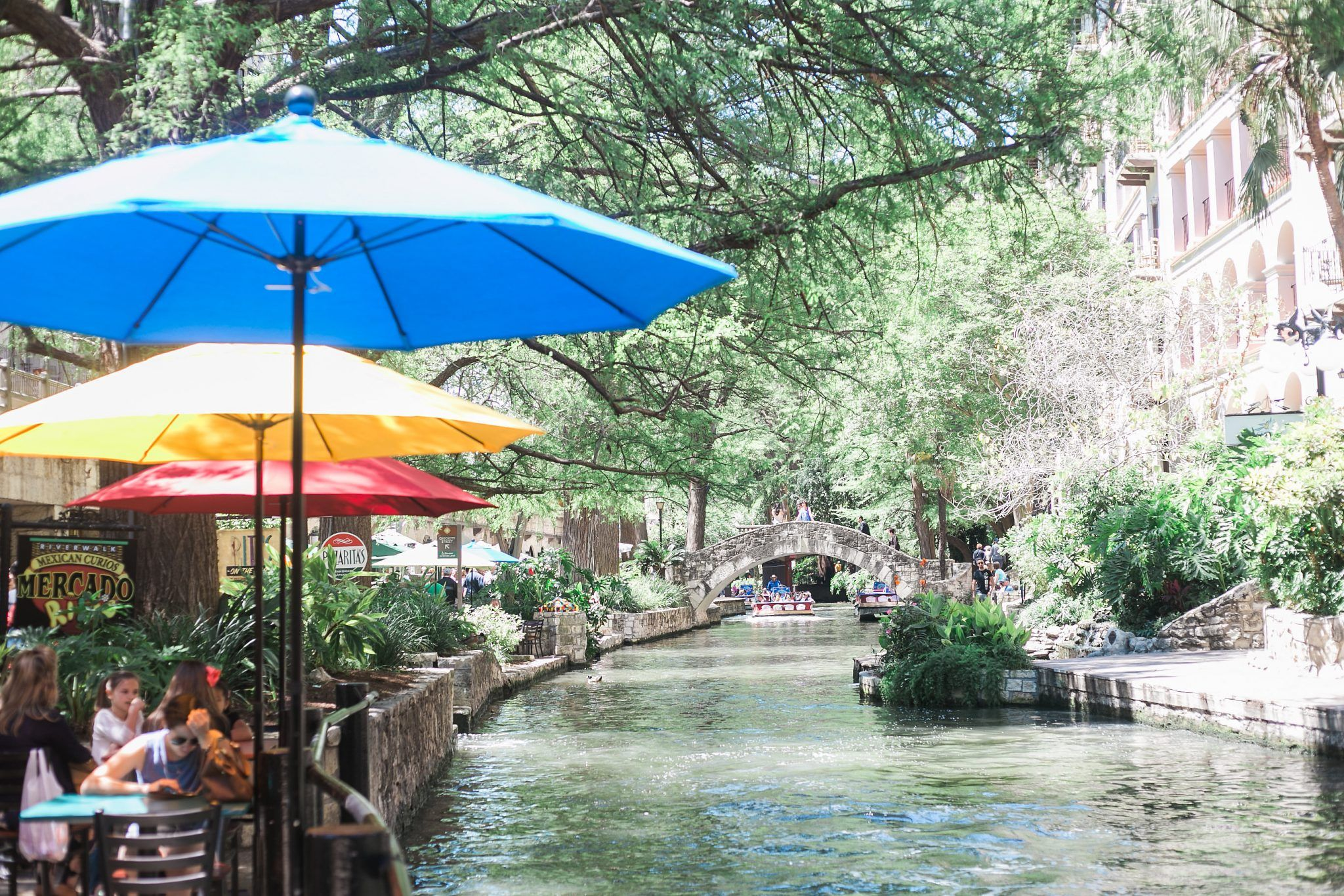 Girls Getaway San Antonio -- enjoying the Riverwalk