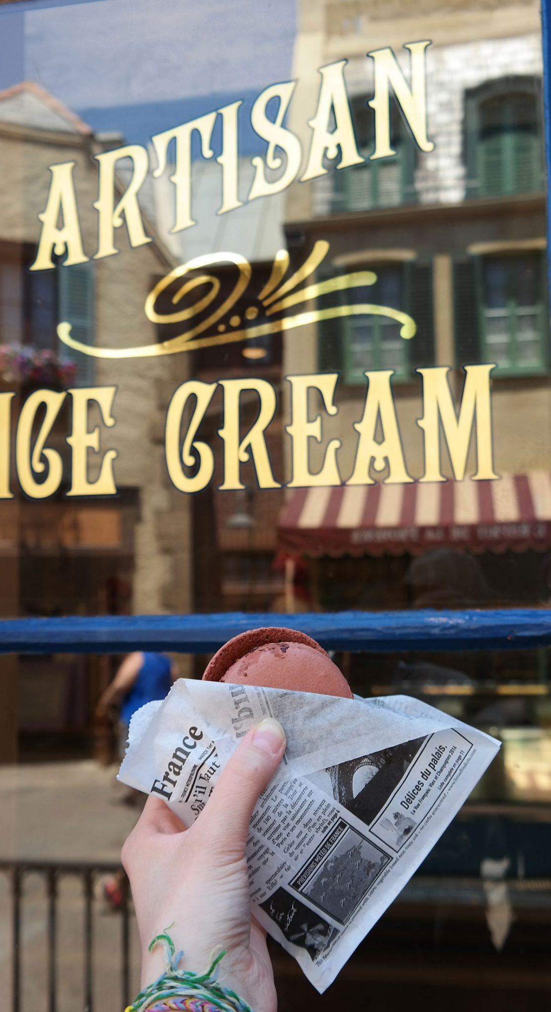 you can find L'Artisan des Glaces, an ice cream shop with 16 different flavors of ice cream (and sorbet)