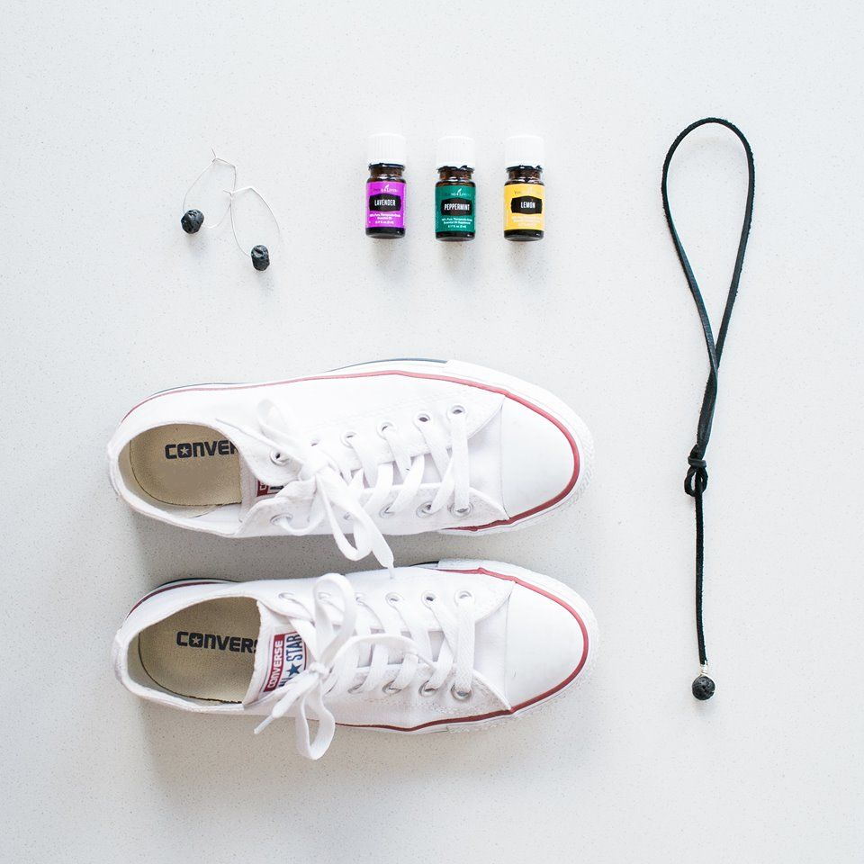 Diffuser jewelry, favorite oils & kicks by @nomadicnewlyweds